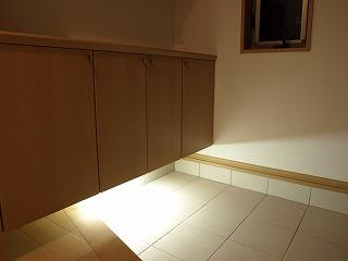 玄関内照明2